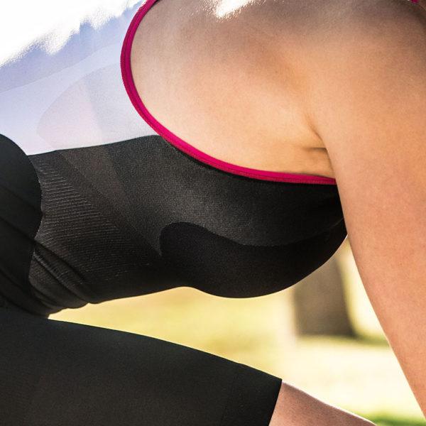 Стартовый костюм для триатлона Compressport TR3 AERO TRISUIT WOMAN