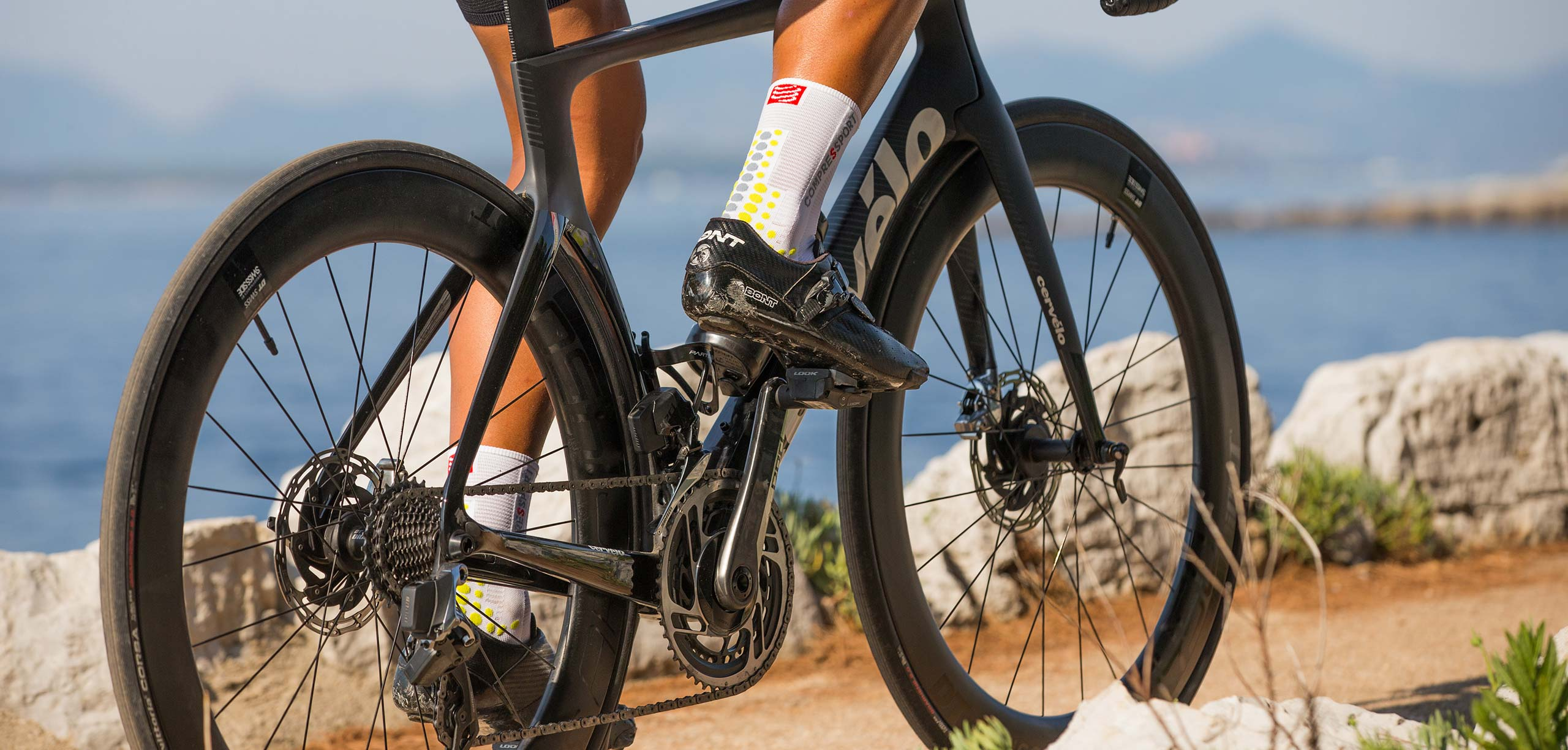 Шкарпетки компресійні Compressport Pro Racing Socks V3.0 Bike, White/Lime